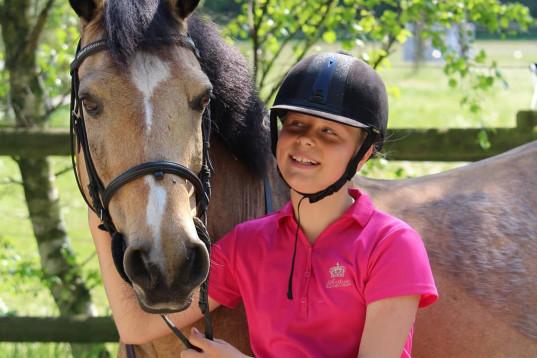 Säker medryttare söker häst