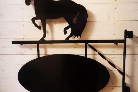 Gårdsskylt Hästen Karin