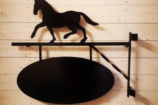 Gårdsskylt Hästen Häst