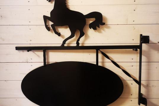 Gårdsskylt Stegrande Häst
