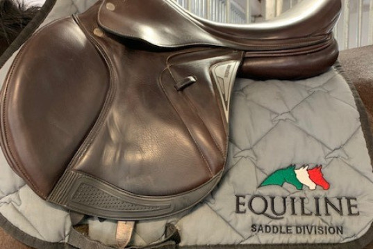 Equiline Elite Closer hoppsadel 18""