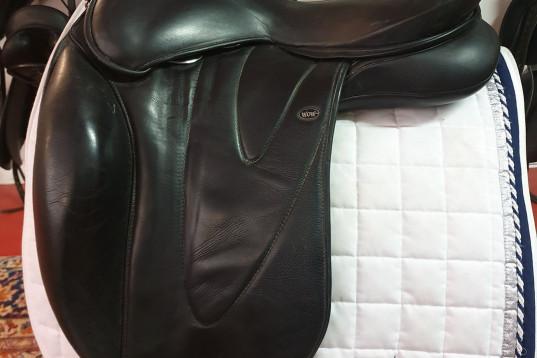 "WOW Dressyr Shallow seat med gigant high kåpa 18"" M( ändringsbar) Brun"