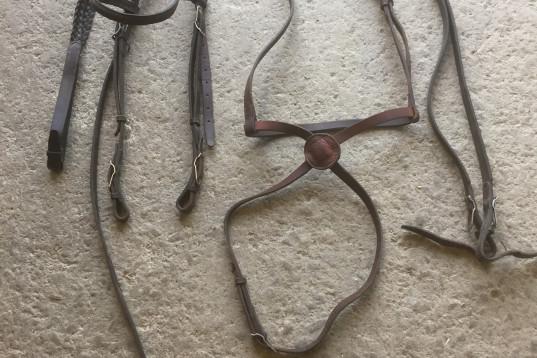Handgjort huvudlag med pullargrimma och tyglar